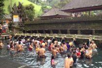 ティルタ・ウンプル寺院  temple-tirta-empul