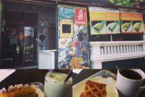 ジンバランのタマングリアの入口にある「Pirates」アップルパイが絶品です他にはスイートポテトパイ 抹茶あずきパイ フルーツパイ パイナップルパイがあります 小洒落た店内でイートインも出来ますよ#bali #sweets  #balicafe #applepie