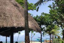 レストラン『Majoly』は昼も夜も海風が爽やかなレストランサンセットタイムには真っ赤な夕焼けが楽しめますロマンティックディナーは特別席でどうぞ♡#bali #バリ #バリ島